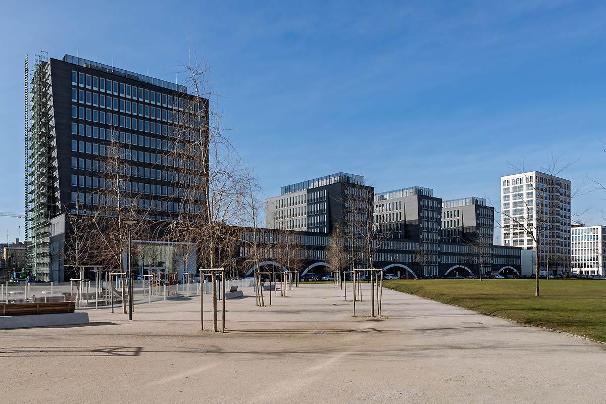Metallbau Wölz - Glasfassaden, Fenster, Brandschutz - Türen ...